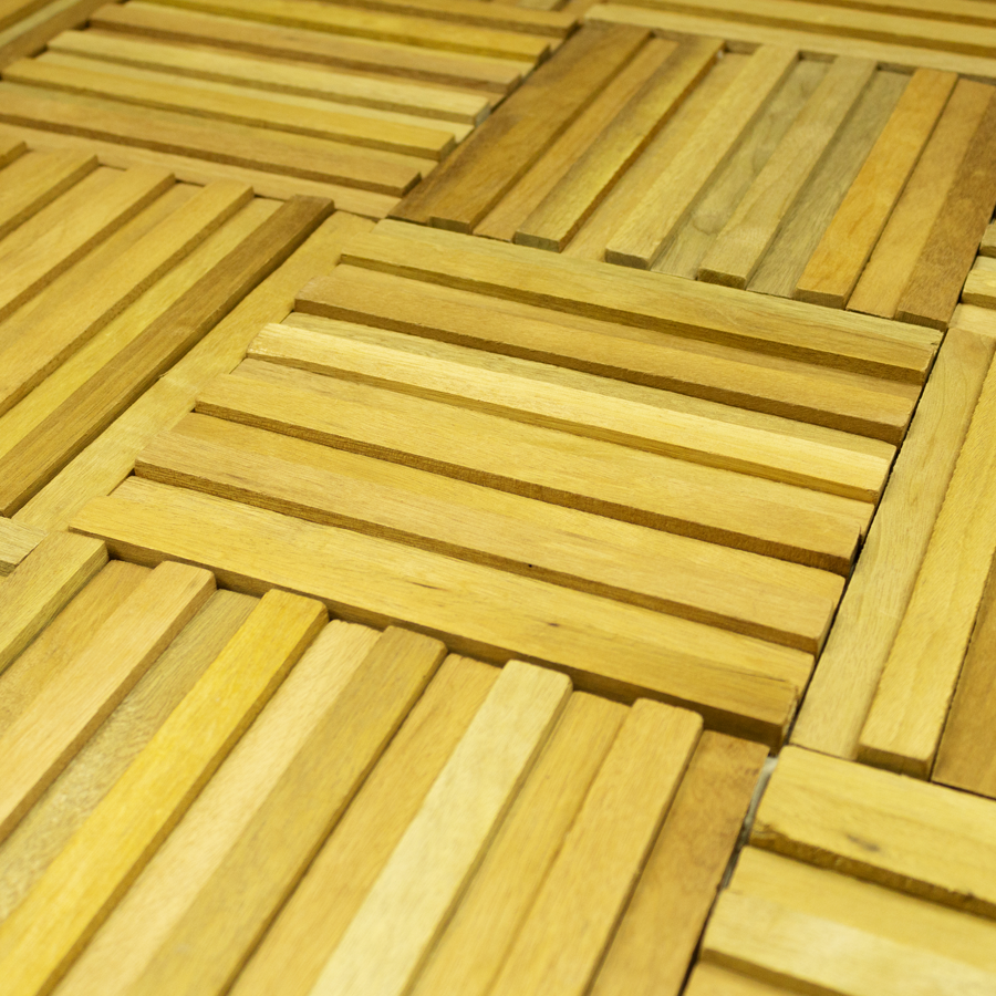 Madeira natural adquire novos formatos em revestimentos