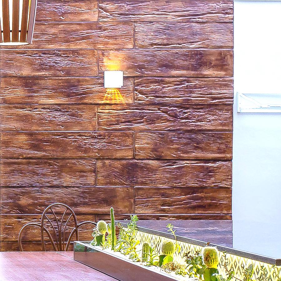 Madeira Vecchio, o toque sutil de rusticidade numa casa moderna em Minas